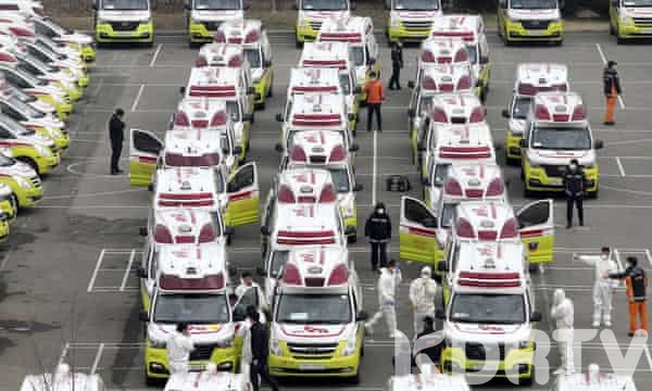 Police Ambulances in Italy line up to pick bodies from Hospitals in Italy